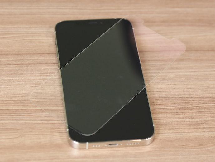 ガラス フィルム スマホ 自分でやれば数百円!! スマホの強化ガラス(保護)フィルムをきれいに貼る方法