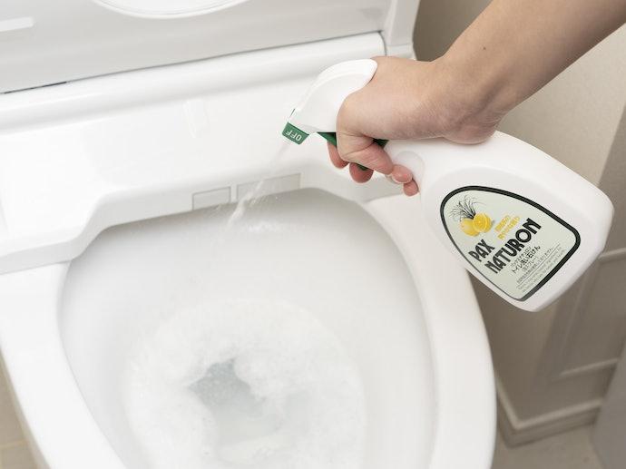 尿の飛び散りのような基本的な汚れには「中性洗剤」がおすすめ