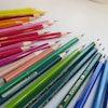 イラストレーターが愛用する色鉛筆画におすすめの画材16選
