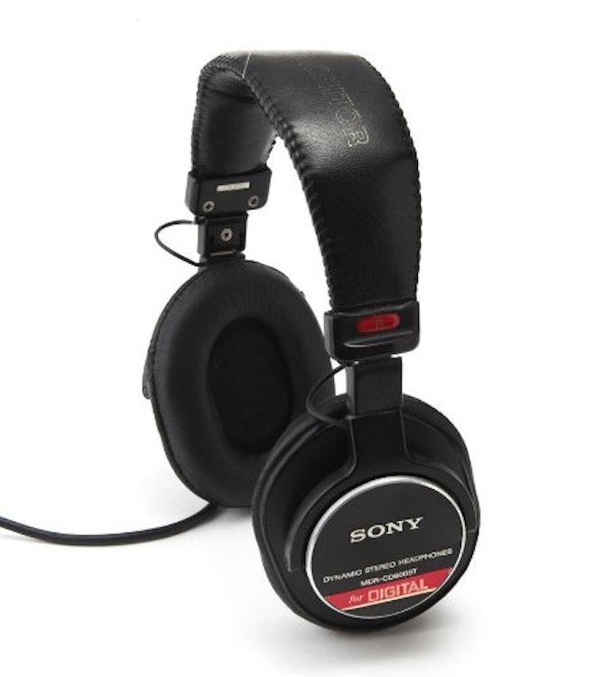 ソニー 密閉型スタジオモニターヘッドホン 『MDR-CD900ST』の画像