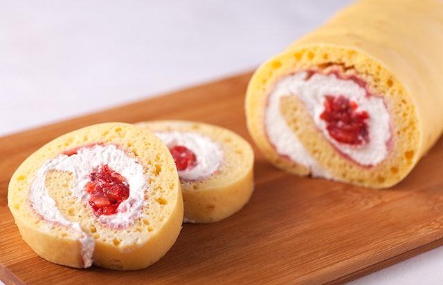 おたるダイニング 苺ロールケーキ 1枚目