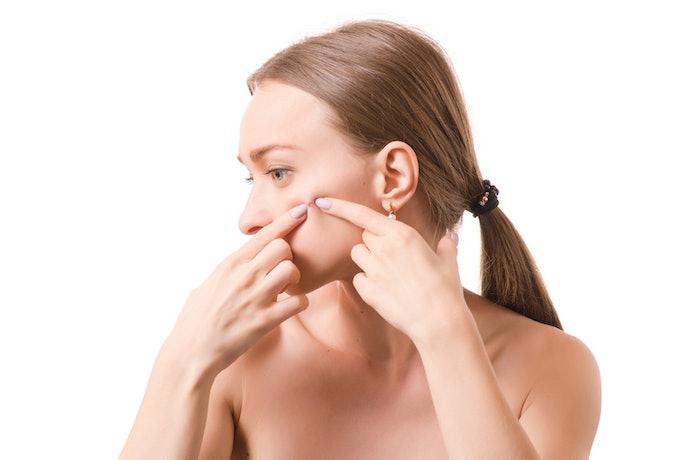 【肌の変化に対する口コミ】肌が乾燥する。ニキビや湿疹も…