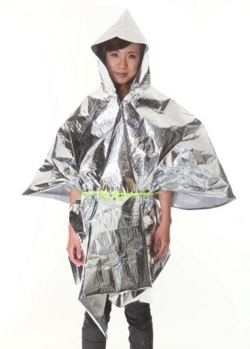 ポンチョタイプ:釣りやテント設営など、着用したまま動ける