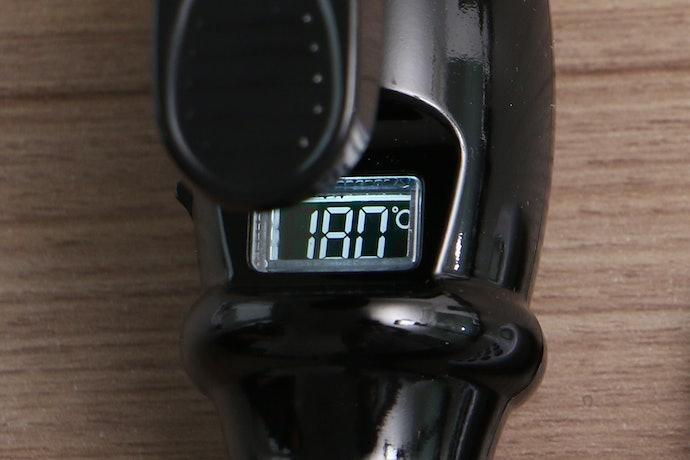 温度や設定がひと目でわかる液晶ディスプレイ