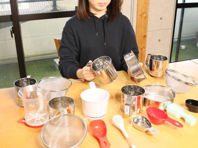 実際に使ってみてわかったマーナ お料理はかどる粉ふりスプーンの本当の実力!