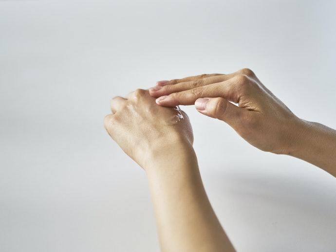 口コミ:乾燥するため化粧水と併用している