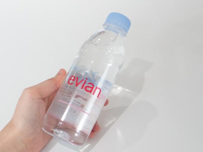 【レビュー結果】ミネラルが多く飲みやすい硬水だが、コスパがいまいち。ミネラルウォーター28商品中25位という結果に!