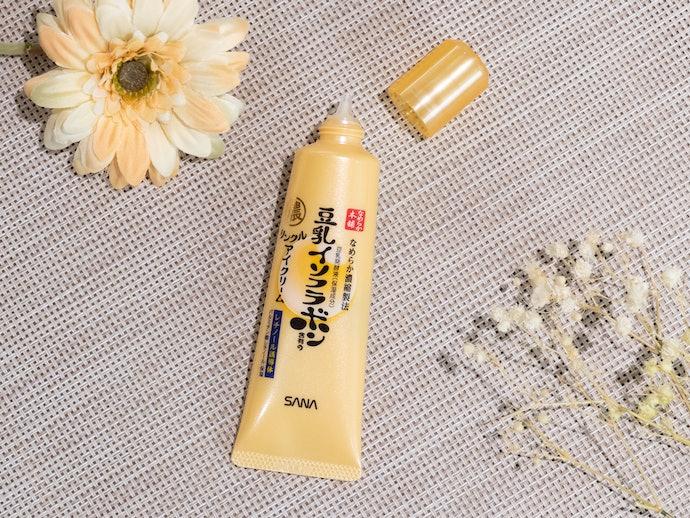 【レビュー結果】豊富な美容成分のわりに肌表面しか潤わない!人気のアイクリーム31商品中25位