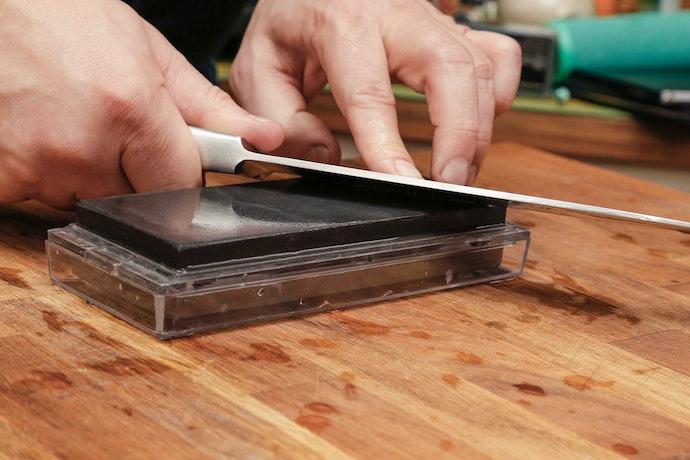 ミソノの三徳包丁をより長く快適に使うために。お手入れのコツ!
