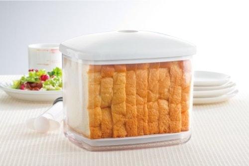 食パン専用の保存容器!スケーター 真空パンケースとは?