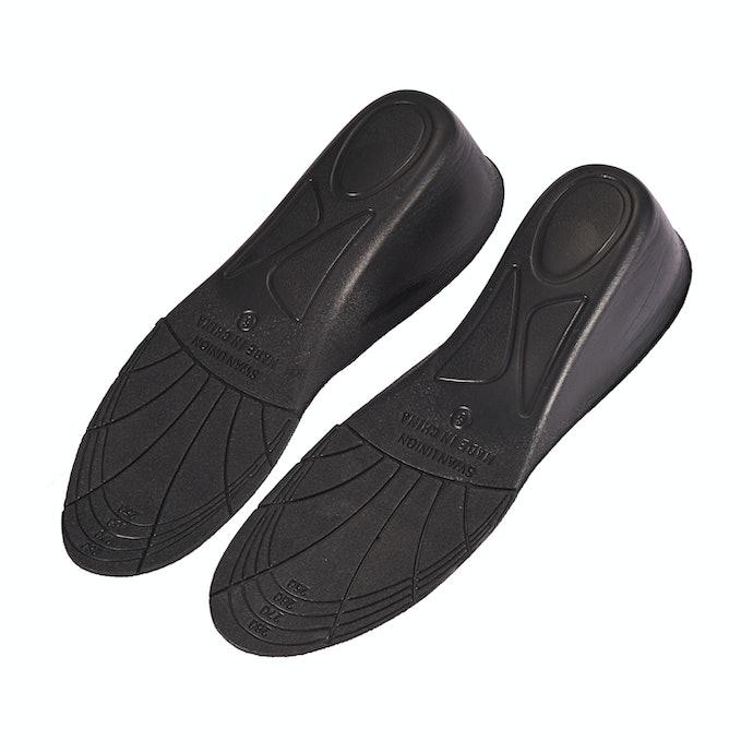 自分の靴のサイズにカットして自由に調整可能