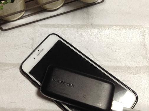 【充電容量に対する口コミ】スマートフォンを1回充電しただけで本体の充電がなくなる