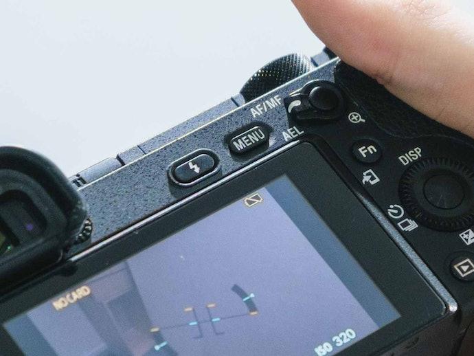 【サービス品質に対する口コミ】届いたカメラがフル充電になっていない…