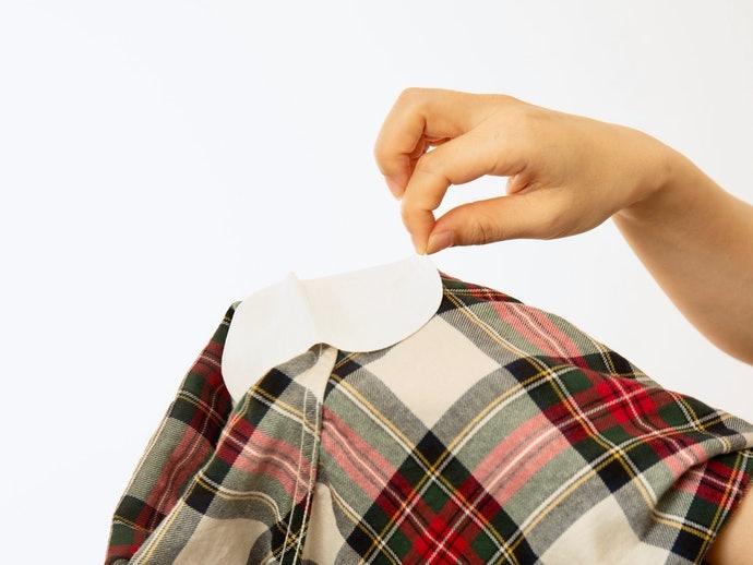 口コミ①:服の素材によってはズレやすい。剥がれないか心配…