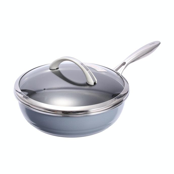 水なし・油なしで調理ができる!