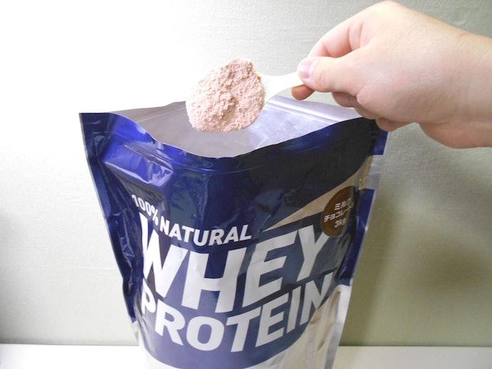 牛乳が体質的に合わない方は、ホエイプロテインでもお腹が緩くなる可能性が…