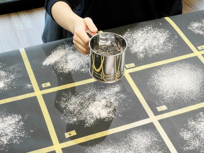 ダマにならず、綺麗に粉をふるえる。お菓子のデコレーションにも使えそう