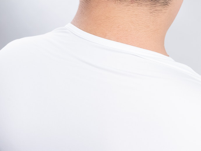 口コミ:汗で生地が背中に貼りつく