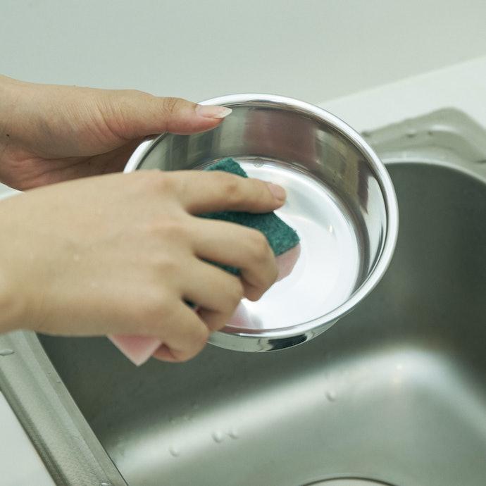 汚れは落ちやすいが、食器の隅は見落としがちに