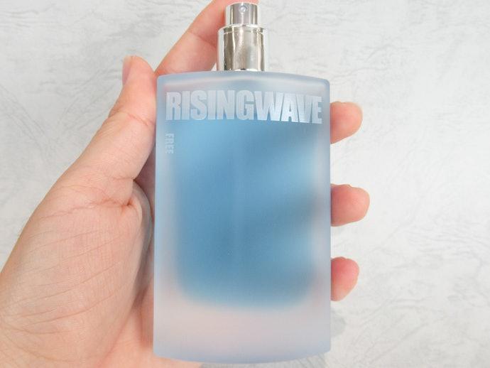【レビュー結果】優しく甘い香りはプライベート向き!香水60商品中27位という結果に!