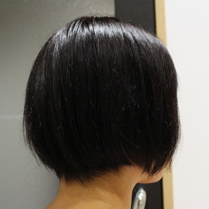 べたつきは髪に合った量を見つければOK!量多めのボブでも3滴で十分