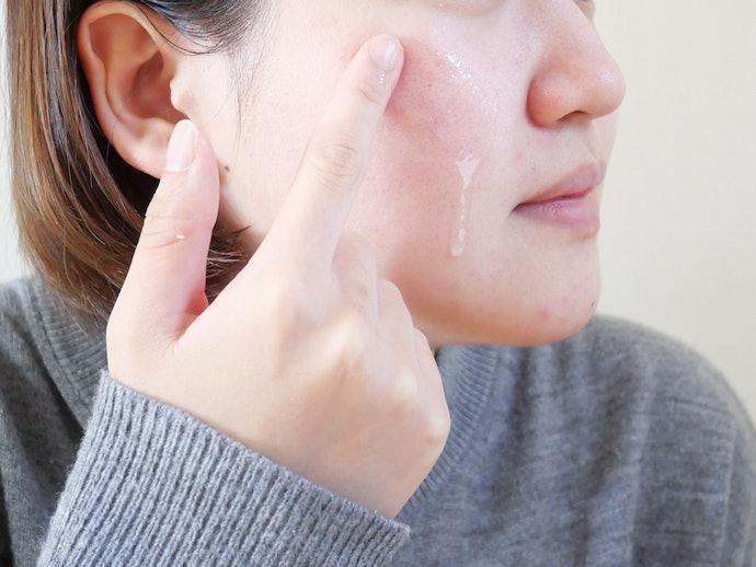 【使い心地に関する口コミ】サラサラすぎるオイルで使いにくい!匂いも気になる…