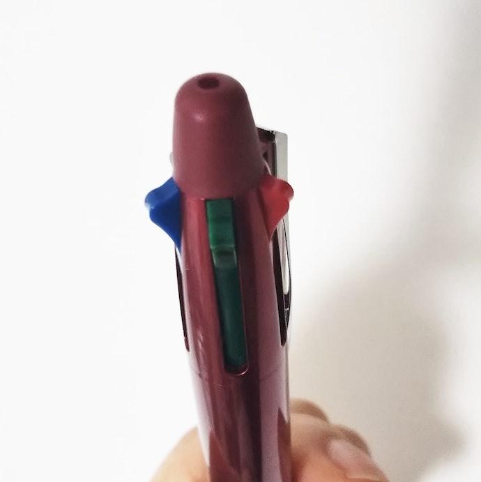 【レバー操作に対する口コミ】インク芯が勝手に引っ込む、押しにくい