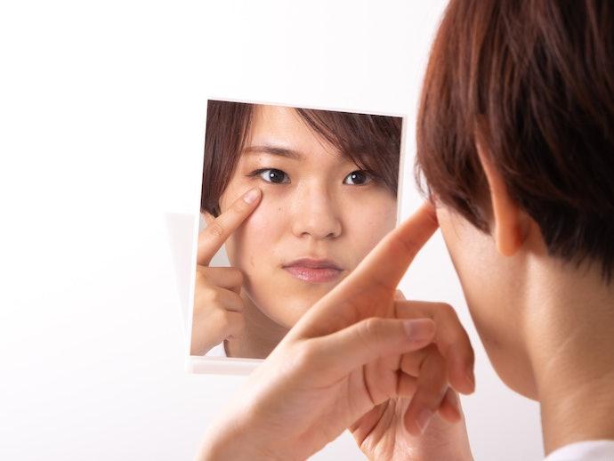 【使用感に対する口コミ】粘着力が強くて落とすのが大変。まぶたが引っ張られるような感覚