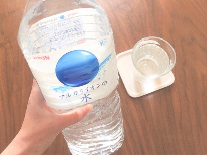 【ボトルに対する口コミ】ボトルが柔らかすぎて、持ちづらいし注ぎづらい