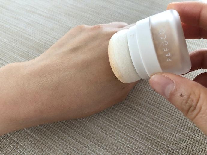 回数を重ねるごとに使いやすく!スルスルと肌に伸び、細かい部分にもしっかりフィット