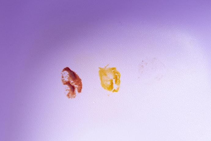 評価は2.8点。色の濃い食べ物だと色素沈着してしまう可能性大
