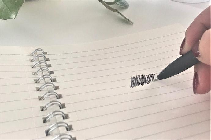 【書き心地に対する口コミ】マット紙に書くとボテが気になる。インクもすぐに切れてしまう