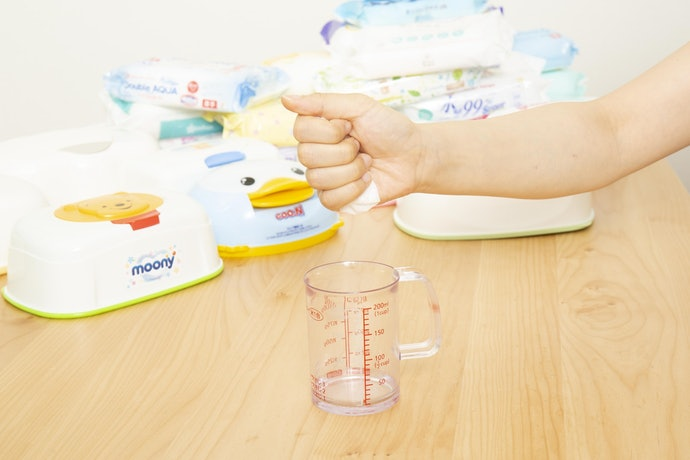 口コミ①:水分量が足りず、うんち汚れが拭き取りにくい