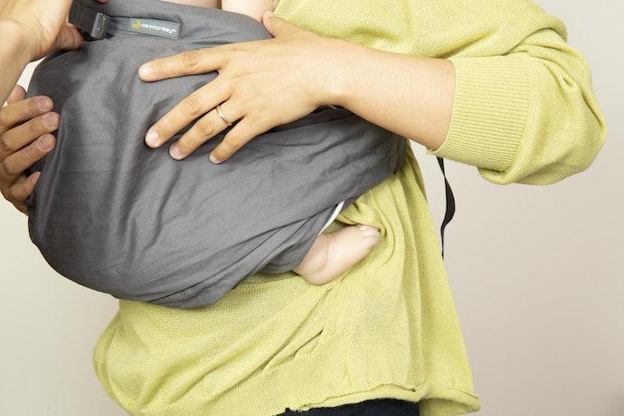 耐荷重は15kg。抱っこスタイルも幅広い
