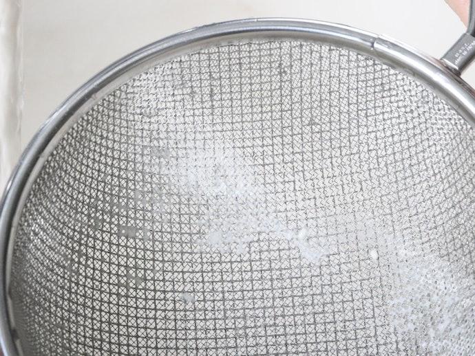 二重の網に粉が詰まる。お手入れのしやすさを重視する方には不向き