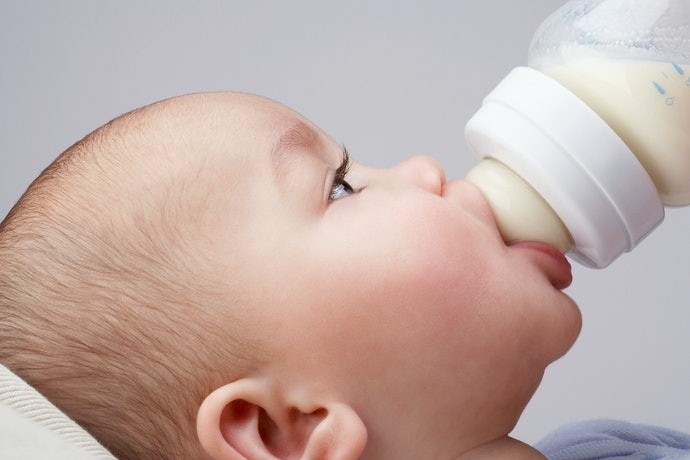 口コミ①:一度にたくさん出るから、赤ちゃんがむせて飲めない