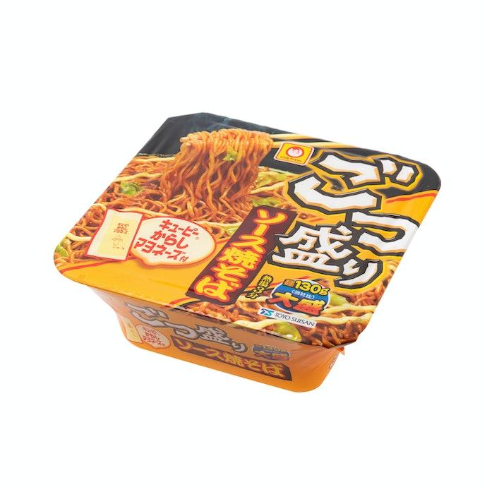 【レビュー結果】人気のカップ焼きそば24商品中11位!麺の弾力は良い◎インスタント感の強い味が残念