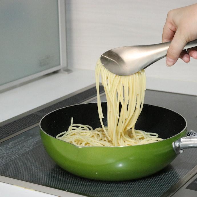 やや力がいるものの、麺はしっかりキープ可能