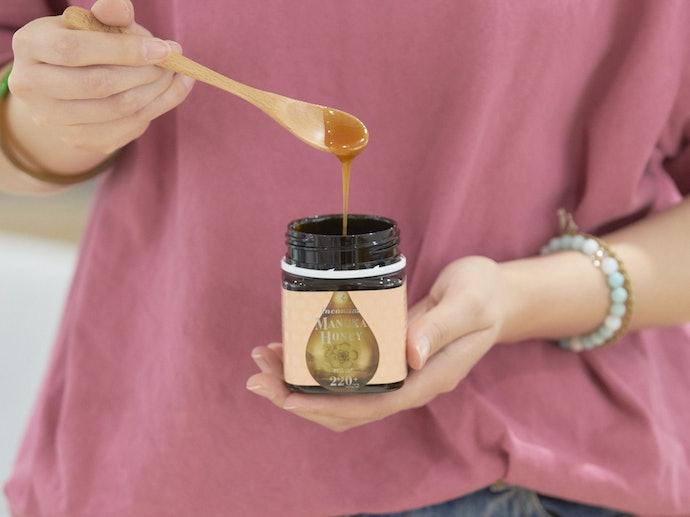 【レビュー結果】人気のマヌカハニー21商品中、2位!バランスの取れた香り・甘さで食べやすい