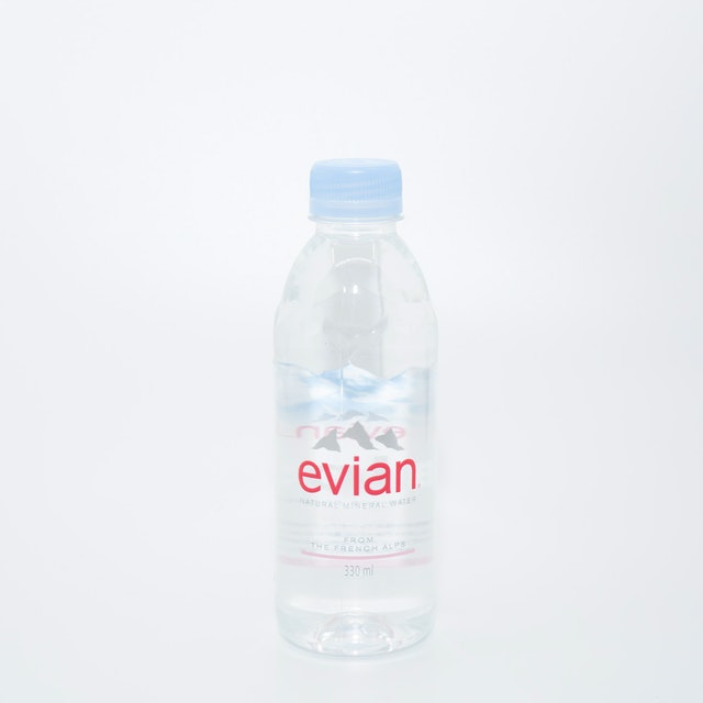 伊藤園 evian(エビアン)  1枚目