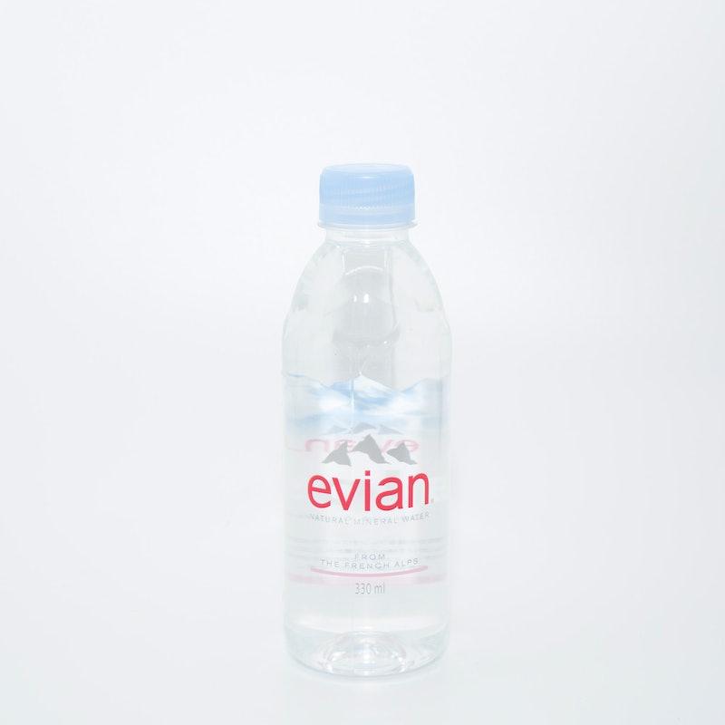 伊藤園 evian(エビアン)